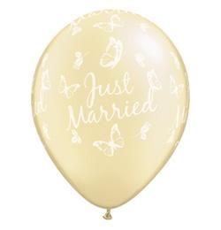 11 inch-es Just Married Butterflies Pearl Ivory Esküvői Lufi (25 db/csomag)