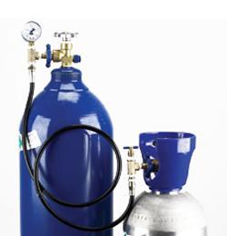 Hélium átfejtő berendezés